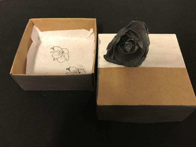 2019 Zwarte roos (sieradendoosje)